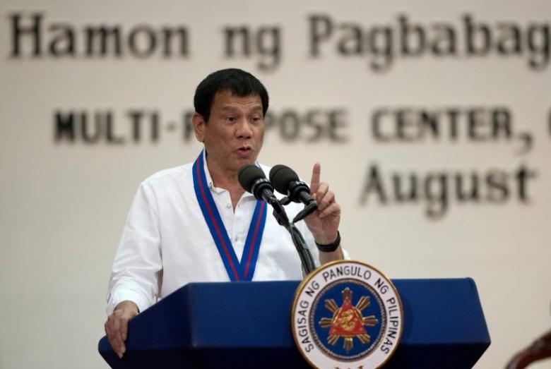 """Philippines chuyển hướng sang TQ, Mỹ """"toát mồ hôi"""" - 1"""