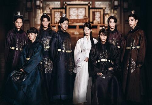 """Lee Jun Ki khiến màn ảnh Hàn """"sục sôi"""" bởi vẻ lạnh lùng - 5"""