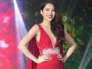 Thời trang - Nam Em khoe loạt đầm gợi cảm sẽ mặc tại Miss Earth