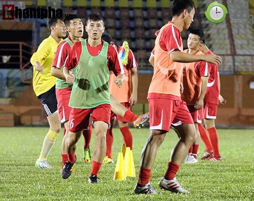 """Đội bóng """"bí ẩn"""" Triều Tiên: 22 cầu thủ & 1 nụ cười ở TP.HCM - 1"""