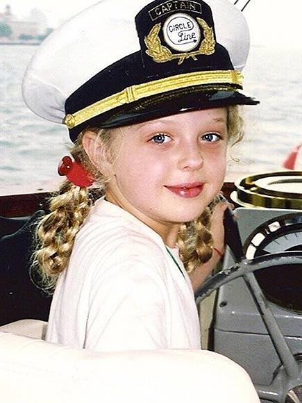 13 bí mật về con gái xinh như búp bê của tỷ phú Trump - 2