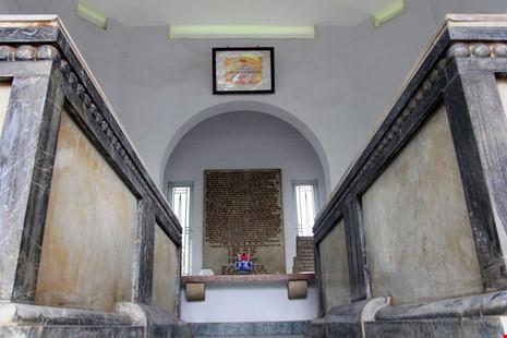 Độc đáo hai mộ cổ xây bằng đá cẩm thạch nhập từ Pháp - 9
