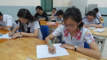 Nhiều trường lên phương án xét tuyển - 1