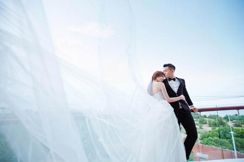 Gặp cô vợ xinh như minh tinh của cầu thủ Huỳnh Tấn Tài - 10