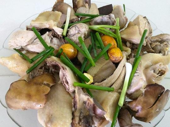 Bí quyết làm món cơm gà vợ nấu chồng khen - 3
