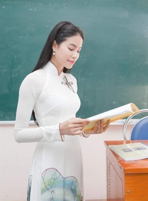 Hoa hậu, người mẫu Việt làm gì nếu không nổi tiếng? - 2