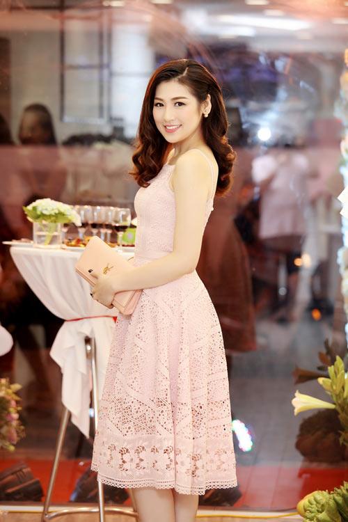 Hoa hậu, người mẫu Việt làm gì nếu không nổi tiếng? - 9