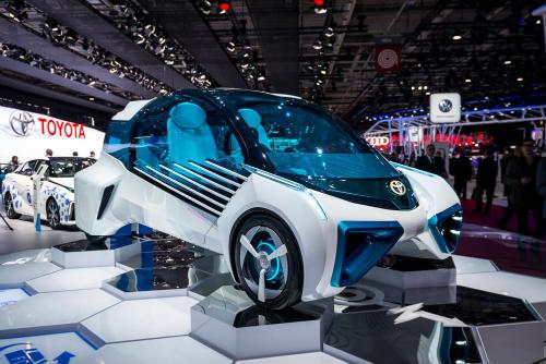 Cận cảnh xe điện Toyota FCV Plus với thân trong suốt - 1
