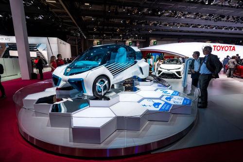 Cận cảnh xe điện Toyota FCV Plus với thân trong suốt - 2