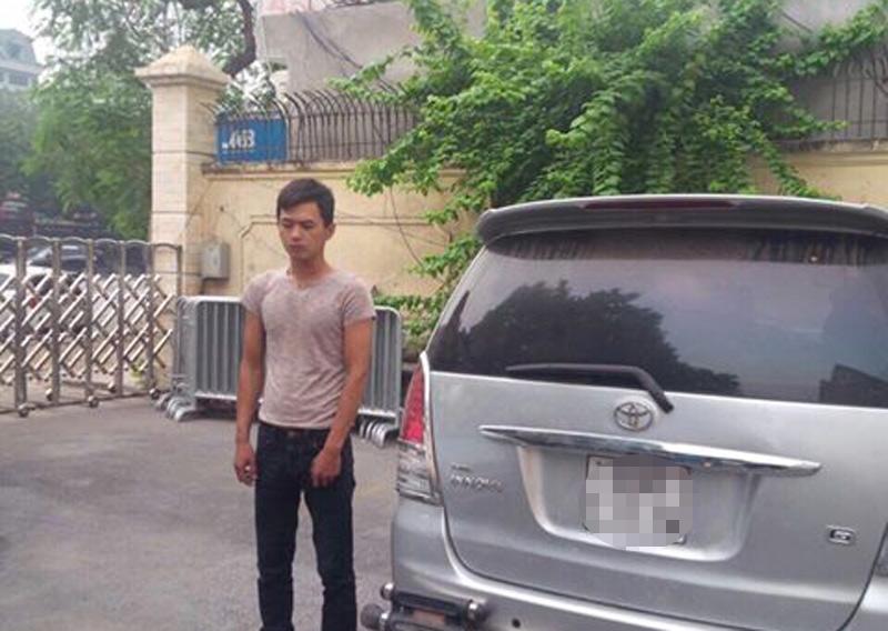 Ô tô ăn cắp hết xăng, trộm cắm giấy tờ đổi nhiên liệu - 1