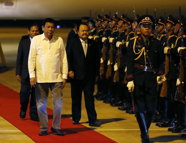 Philippines xoay sang TQ, vị thế của Mỹ sẽ thế nào? - 1