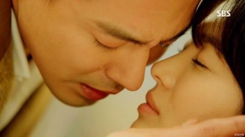 """Những nụ hôn """"chan"""" đầy nước mắt trong phim Hoa – Hàn - 16"""
