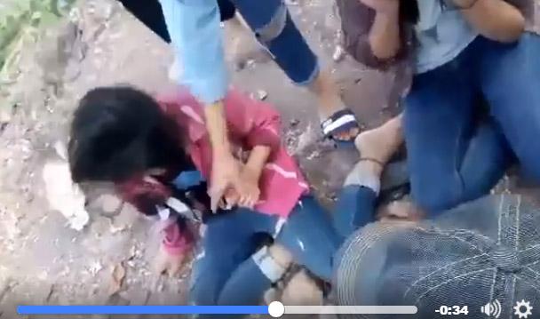 Nhóm nữ sinh lớp 9 đánh hội đồng 2 bạn nữ vì ghen tuông - 3