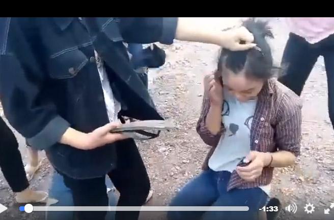 Nhóm nữ sinh lớp 9 đánh hội đồng 2 bạn nữ vì ghen tuông - 2
