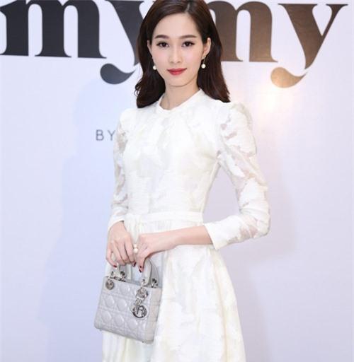 """Hoa hậu Thu Thảo: """"Tay chơi"""" hàng hiệu kín tiếng của Vbiz - 9"""