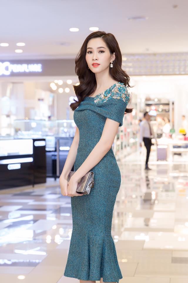 """Hoa hậu Thu Thảo: """"Tay chơi"""" hàng hiệu kín tiếng của Vbiz - 12"""