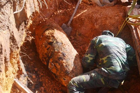 """Nghẹt thở tiêu hủy quả bom """"khủng"""" tại Đà Lạt - 2"""