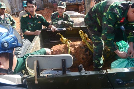 """Nghẹt thở tiêu hủy quả bom """"khủng"""" tại Đà Lạt - 5"""