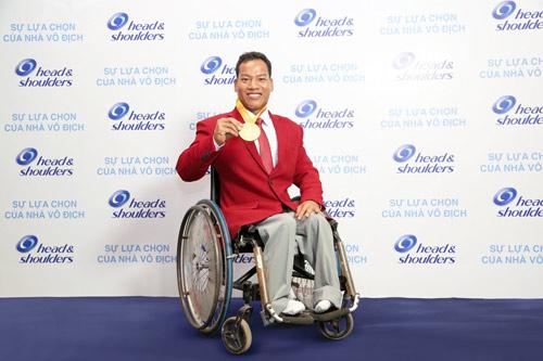Nhà vô địch cử tạ Lê Văn Công: Còn một nửa cơ hội cũng phải cố gắng - 2