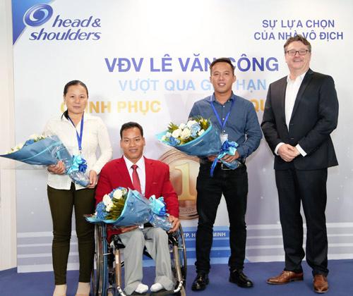 Nhà vô địch cử tạ Lê Văn Công: Còn một nửa cơ hội cũng phải cố gắng - 3