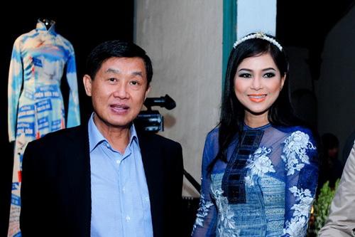 Bố mẹ chồng Hà Tăng lọt top quyền lực nhất giới thời trang - 1