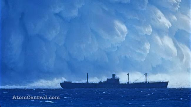 """Suýt mất mạng vì bom hạt nhân """"khủng"""" nổ dưới biển - 1"""