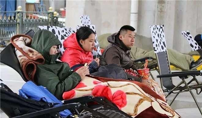 """Cuộc thi """"không làm gì"""" giữa trời rét 0 độ ở Trung Quốc - 2"""