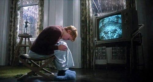 """Bộ phim kinh dị ám ảnh người xem của """"đạo diễn ấu dâm"""" - 4"""