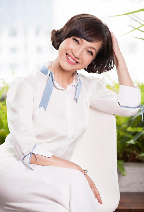 """NSND Lê Khanh: """"Cuộc sống giàu hơn nhờ vai diễn"""" - 1"""