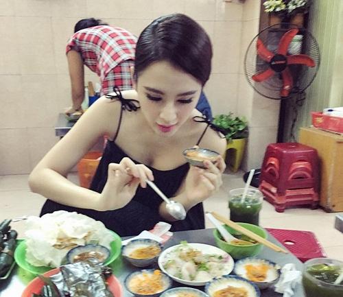 Mỹ nhân Việt khiến dân tình đứng hình trong quán ăn - 5