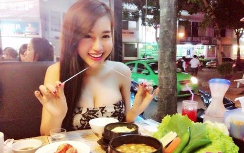 Mỹ nhân Việt khiến dân tình đứng hình trong quán ăn - 3