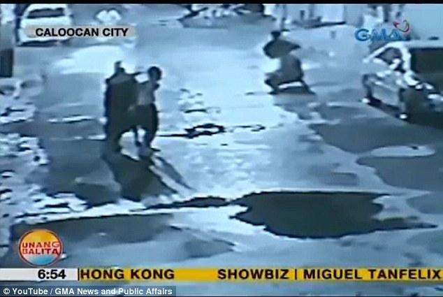 Video người bị hành quyết vì ma túy gây sốc ở Philippines - 1