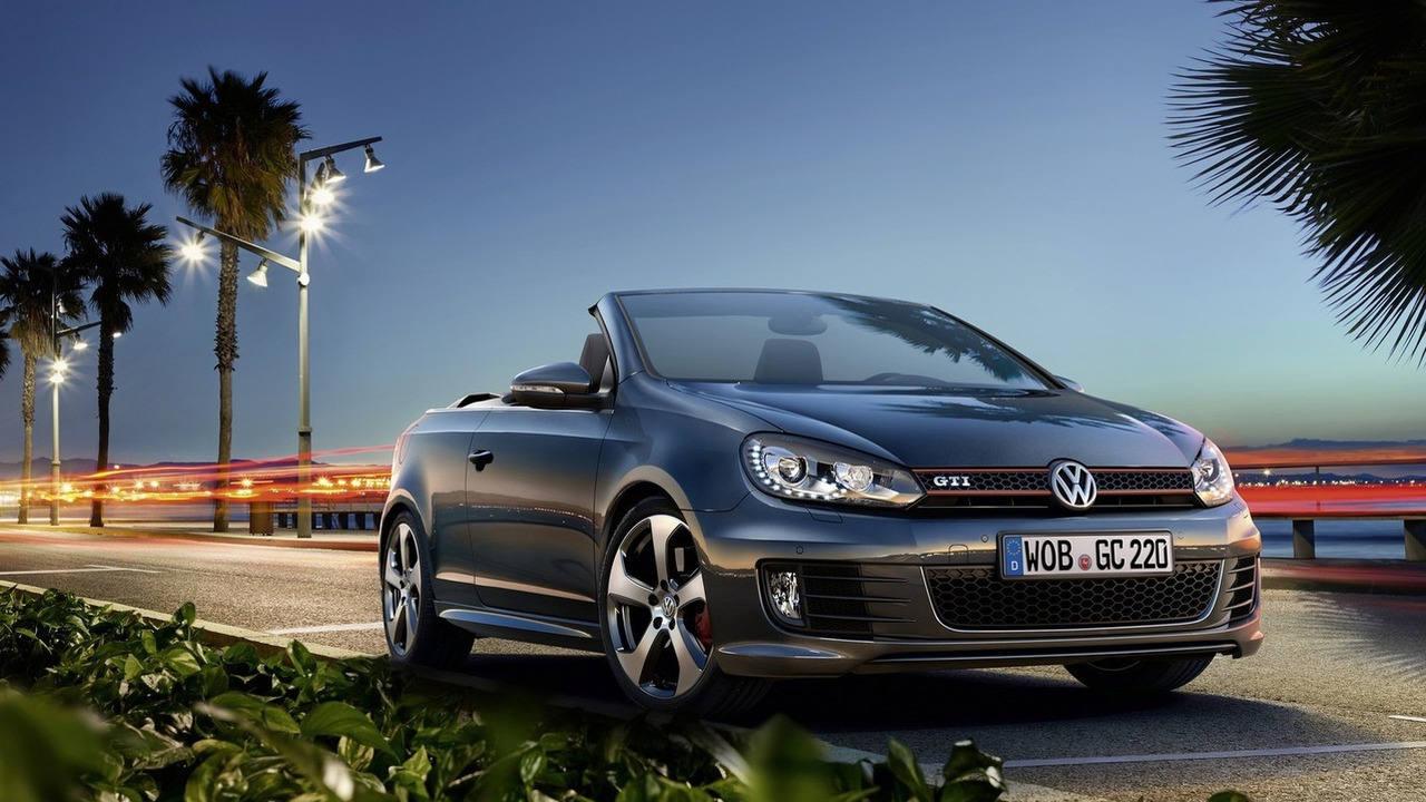 VW Golf Cabriolet chính thức ngừng sản xuất tại Anh - 1