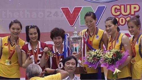 """Kí ức 4 chức vô địch của """"chân dài"""" bóng chuyền VN ở VTV Cup - 1"""