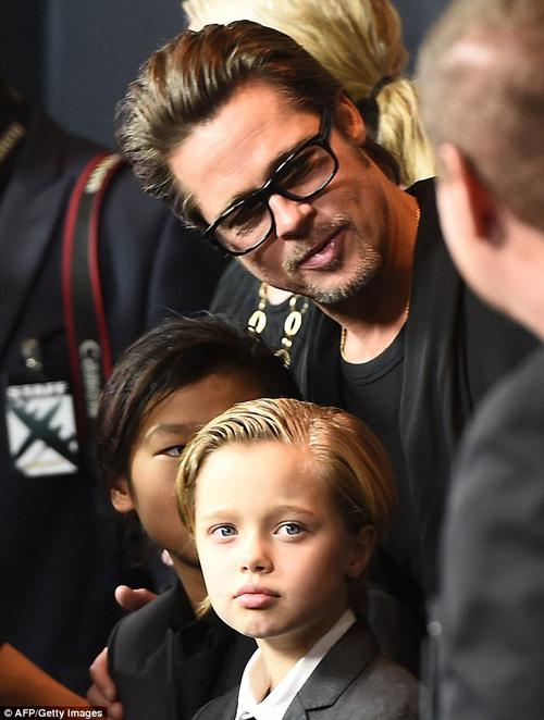 Angelina Jolie tất tả lo điều trị tâm lý cho các con sau ly hôn - 5