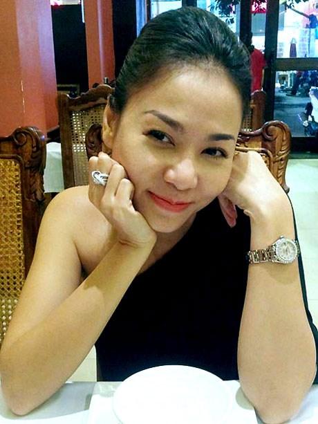 """""""Choáng"""" với nhẫn kim cương đắt đỏ của mỹ nhân Việt - 5"""
