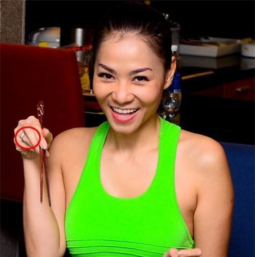 """""""Choáng"""" với nhẫn kim cương đắt đỏ của mỹ nhân Việt - 6"""