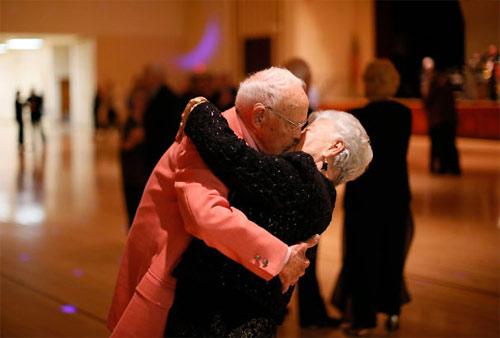 Học người già cách thể hiện tình yêu - 13