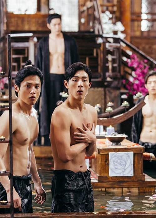 """""""Nóng mắt"""" vì cảnh nude dày đặc trong phim đang hot nhất Hàn - 5"""