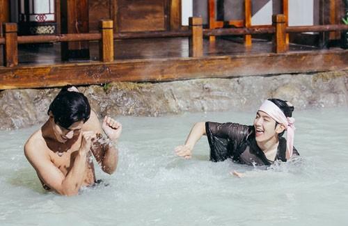 """""""Nóng mắt"""" vì cảnh nude dày đặc trong phim đang hot nhất Hàn - 4"""