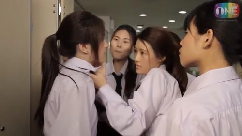 """4 màn đánh ghen """"kinh hồn bạt vía"""" trong phim Thái - 7"""