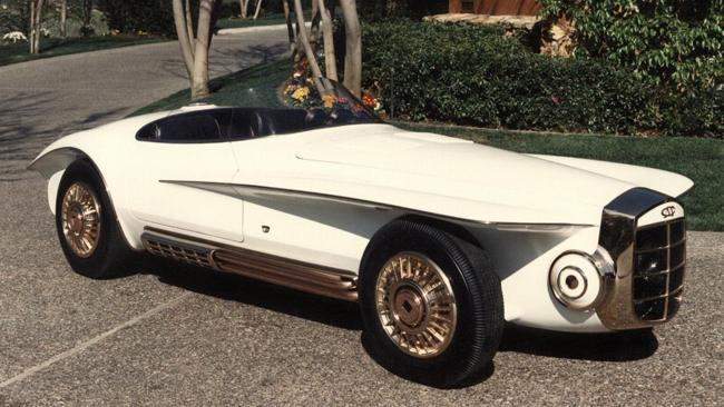 Những chi tiết mạ đồng thau hiếm khi phù hợp và mang lại cảm xúc trên một chiếc xe, nhưng với Mercer-Cobra Roadster 1965 lại là một trường hợp ngoại lệ.