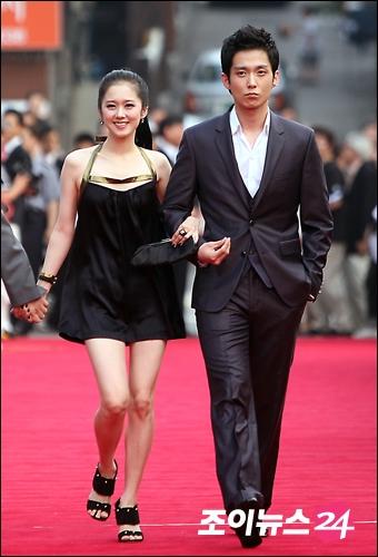 Anh trai Jang Nara trẻ như trai 20 dù đã 41 tuổi - 5