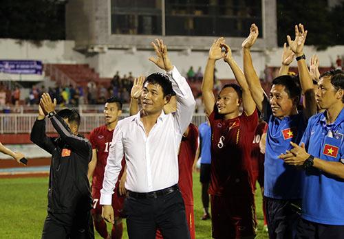 Việt Nam thắng Triều Tiên: Cầu thủ xúc động tri ân khán giả - 2