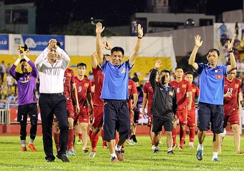 Việt Nam thắng Triều Tiên: Cầu thủ xúc động tri ân khán giả - 4