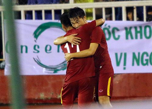 Việt Nam thắng Triều Tiên: Cầu thủ xúc động tri ân khán giả - 11