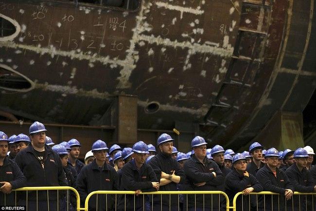 Anh xây dựng hạm đội tàu ngầm chống hạt nhân đầu tiên - 2