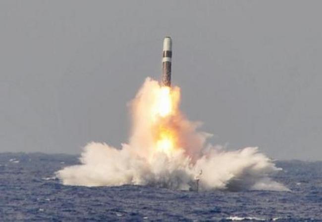Anh xây dựng hạm đội tàu ngầm chống hạt nhân đầu tiên - 3