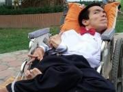 Tin tức trong ngày - Chàng trai ngồi xe lăn bán hàng rong mong được hiến tạng