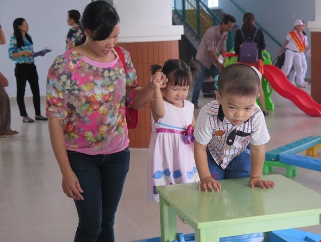 Trường mầm non lúng túng nhận giữ trẻ ngoài giờ - 1